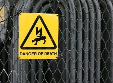 risk of electrocution sign